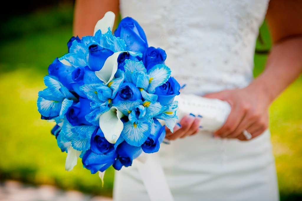 Букет невесты голубой