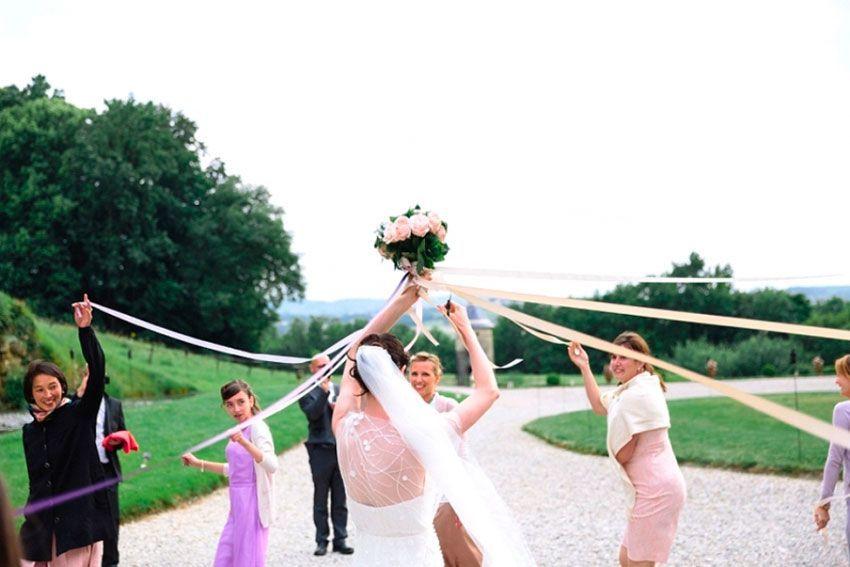 Букет невесты ленты