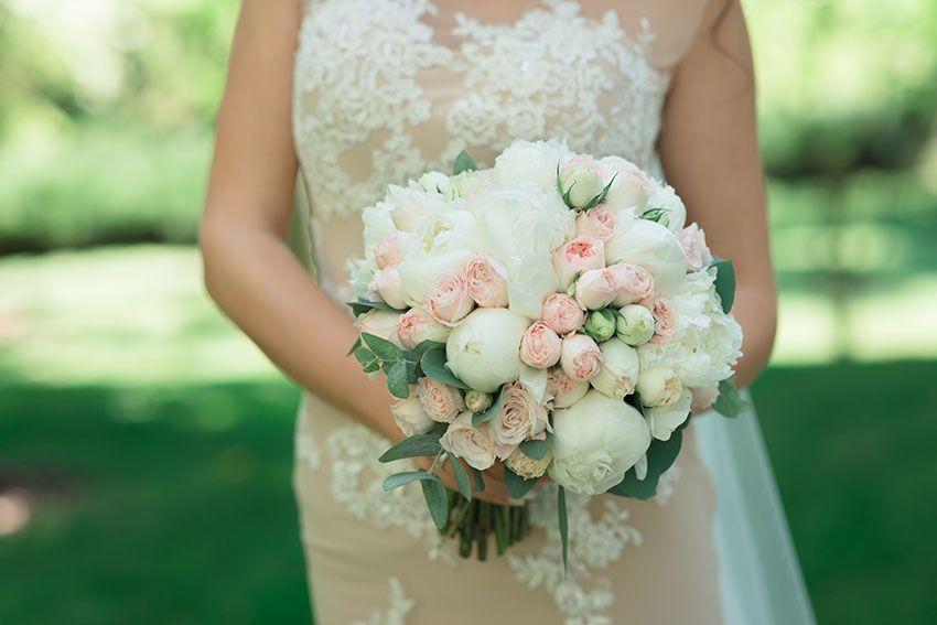 Цвет платья и букета невесты